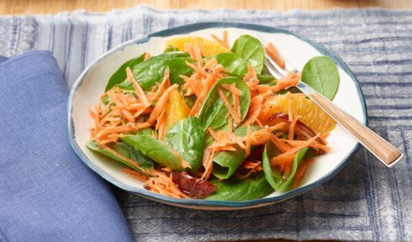 胡萝卜、枣和橙 做成美味清新的沙拉(组图)