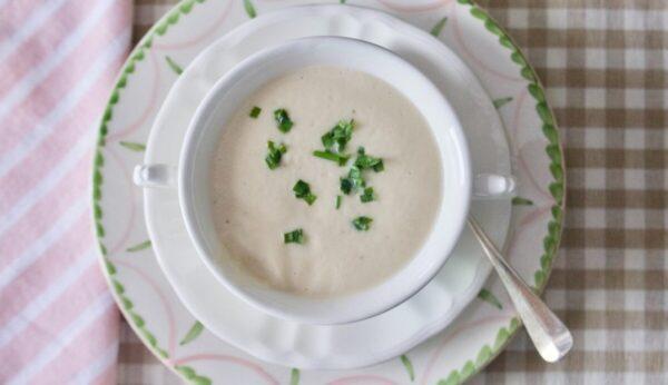 奶油花椰菜汤 雅致而时尚的晚宴