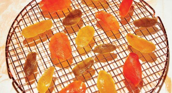 新鲜美味的柑橘皮蜜饯