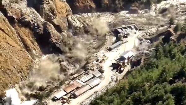 冰河崩裂引暴洪 冲击印度水坝酿14死170人失踪(视频)