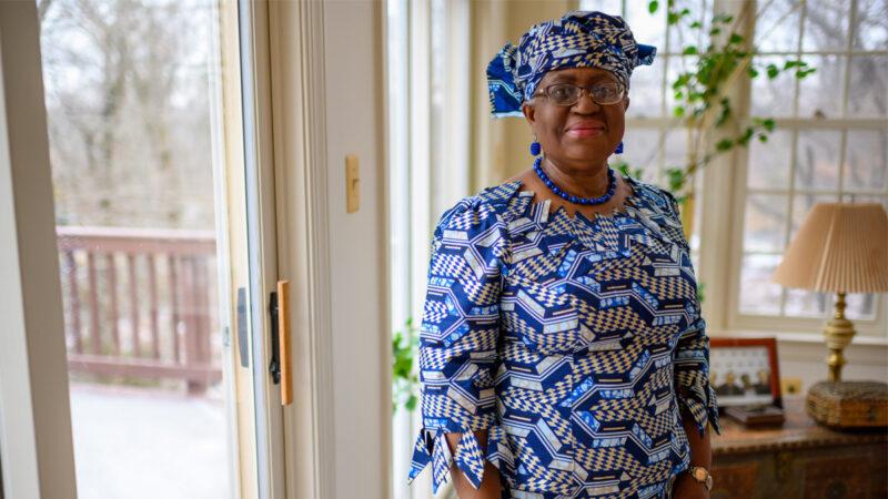 中共吹捧拜登认可 非裔女经济学家升世贸总干事