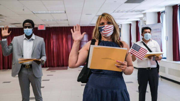為選舉做準備 拜登下令提高合法移民入籍率