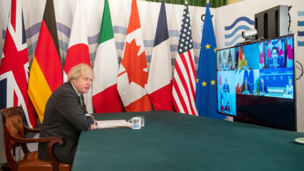 """拜登G7峰会宣告""""美国回来了"""" 法德首脑不太接受"""