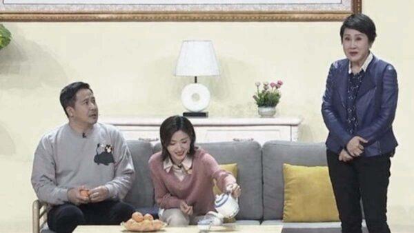 """央视春晚小品处处""""催婚"""" 网民: 韭菜不够割了"""