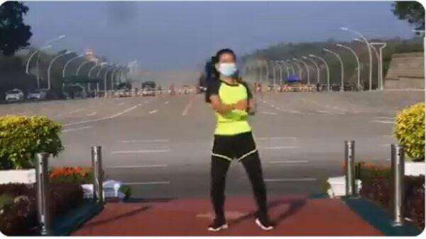 緬甸軍方政變時 一女子陣前熱舞視頻網絡熱傳