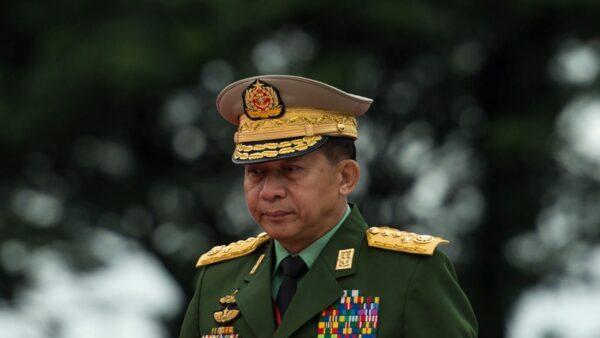 緬甸政變前 王毅訪緬見軍頭 互稱兄弟