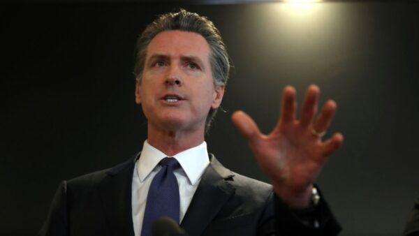 加州140萬人簽名罷免州長 離啟動程序只差10萬