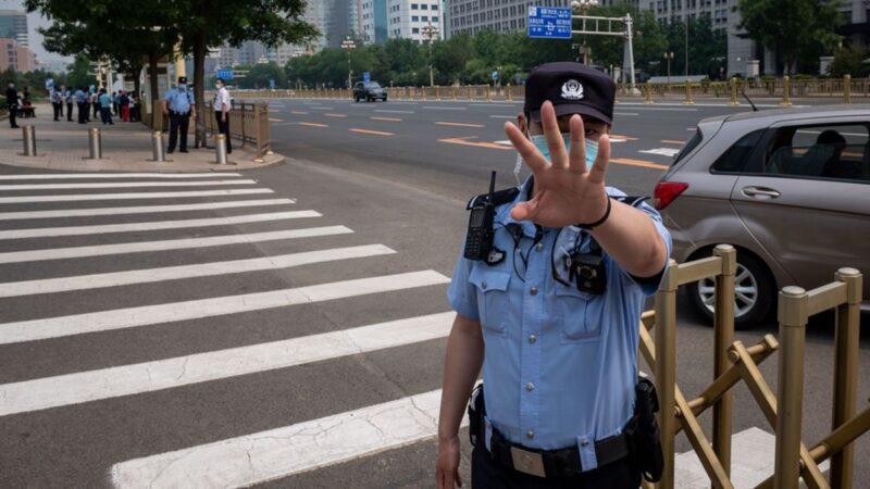 广东警察枪击公安副局长后自杀 官方通告模糊身份