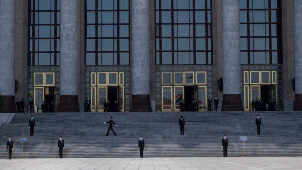 北京進入「戰時」狀態 蔡奇現身兩會駐地