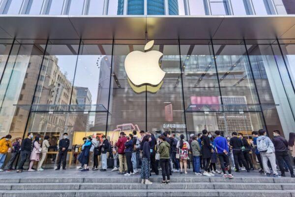 iPhone 12销售强劲 苹果挤下三星登智慧手机龙头宝座