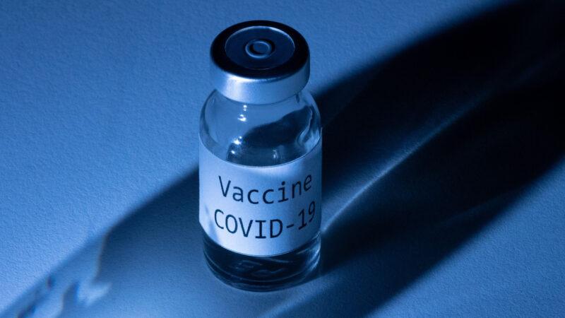 美強生疫苗將獲批准 印尼護士接種中國疫苗後死