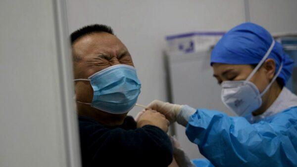中国再曝假疫苗 用矿泉水灌注
