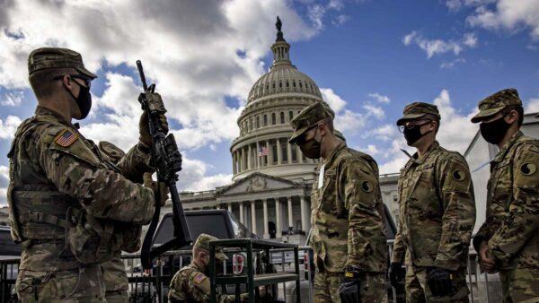 美国民卫队:5000军人将长驻华府