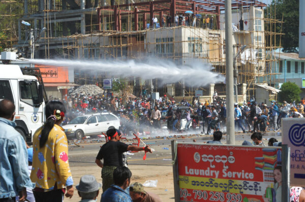 传27名抗议者被捕 孤立缅甸军政府 新西兰开第一枪