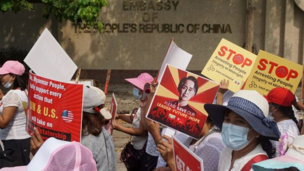 北京支持緬軍禍及華人 中企遭圍攻中共封鎖消息
