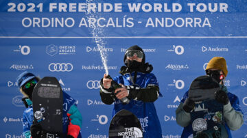 世界自由式滑雪賽 挑戰雪山懸崖360度迴旋