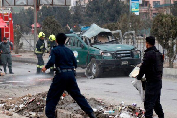 鼻酸!阿富汗首都爆炸 孩童哭喊「媽媽起來啊」