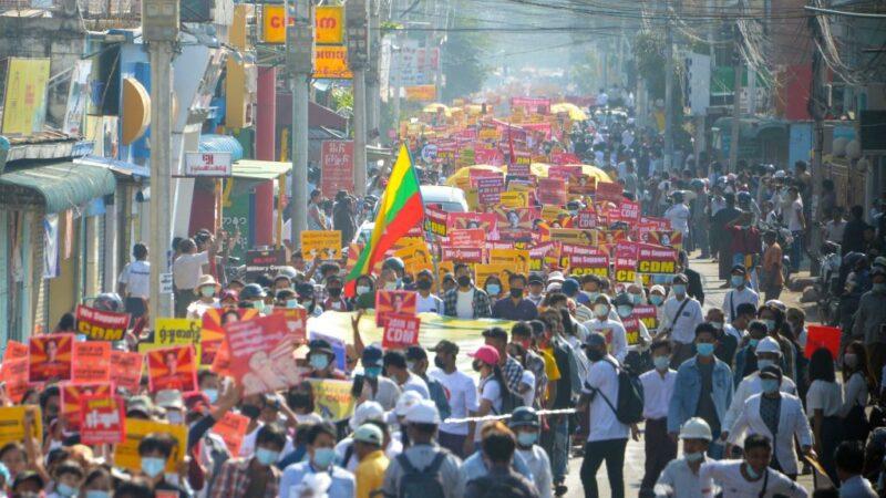 無懼緬甸軍方發「死亡」威脅 反政變示威擴大