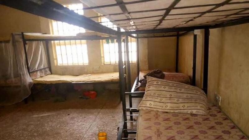 一夜之間 尼日利亞300多名女學生遭綁架