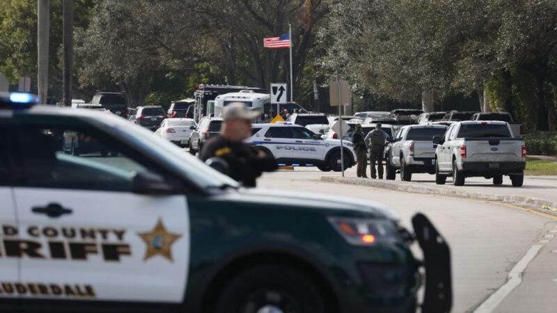 罕見死傷慘重 佛州查案爆槍戰 FBI釀2死3傷