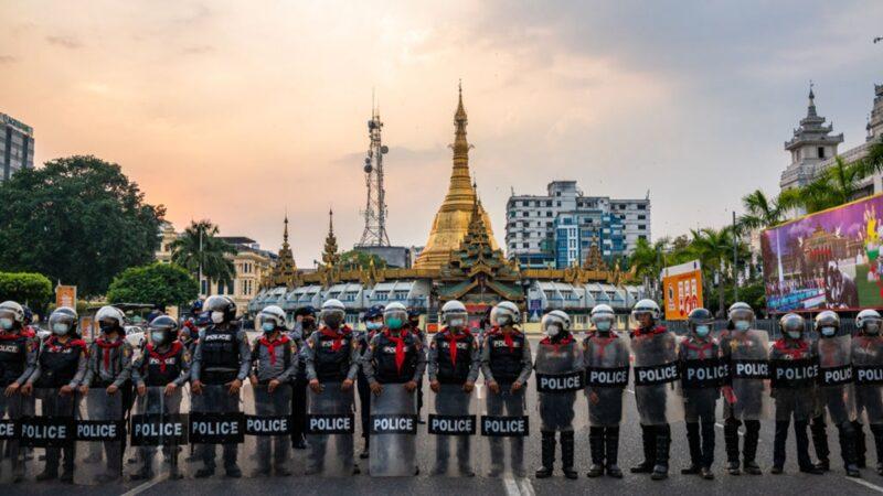 組圖:緬甸爆發大規模示威 傳警方鎮壓開槍