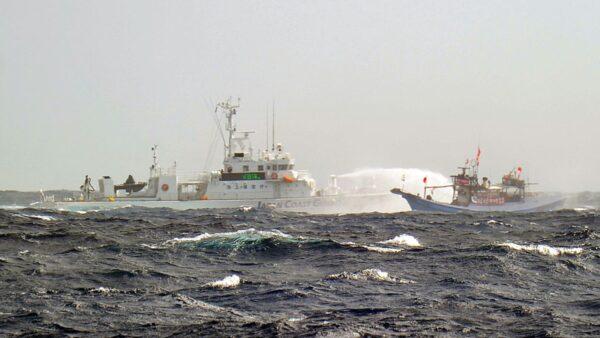 日本跟進中共宣布可使用武器 釣魚島對峙升級