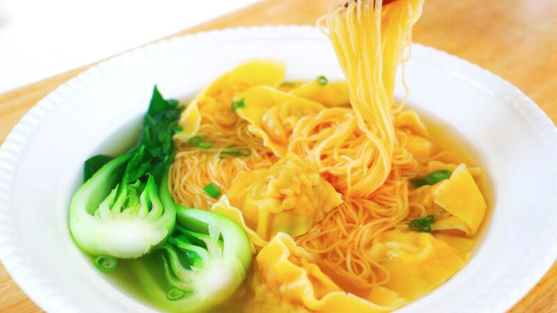 【美食天堂】雲吞湯麵做法~豬肉蝦仁餡料太美味