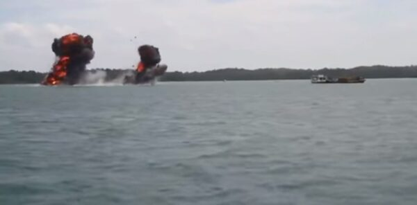 吓阻非法捕鱼 印尼恢复将外籍渔船沉入海底