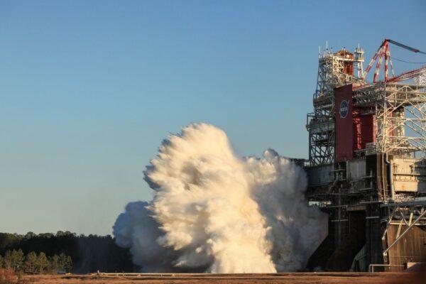 NASA返月重要里程碑:成功測試最強大火箭