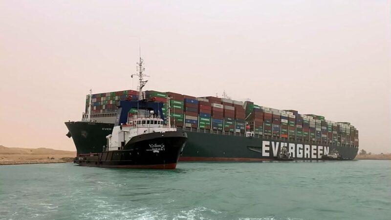 一艘貨輪擱淺 全球貿易每小時損失4億美元