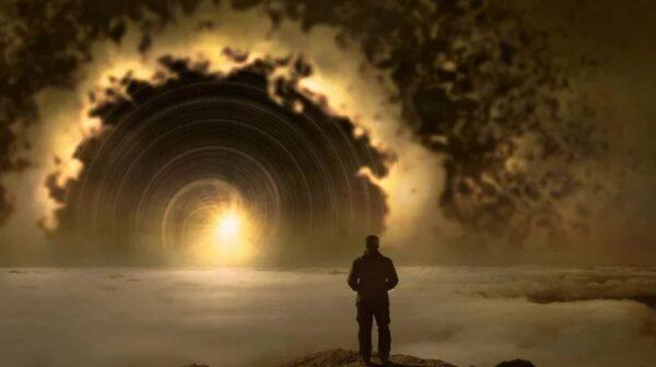 男子穿越静止时空隧道 32年后重新出现 无衰老迹象