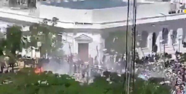 拒重返封城 阿根廷民眾上街抗議與警爆流血衝突