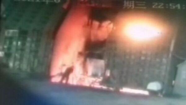 慘烈!監控拍下包鋼職工跳高爐鋼水自殺