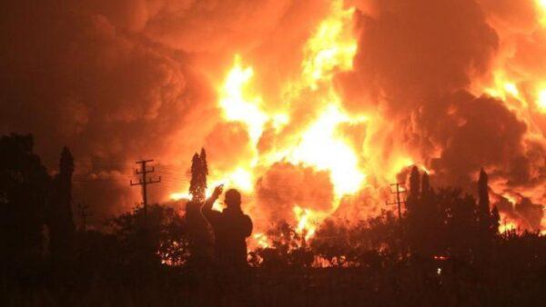 宛如炼狱 印尼西爪哇炼油厂大火 近千人急撤