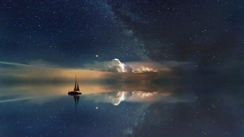 英國海岸出現了一艘懸浮在空中的船