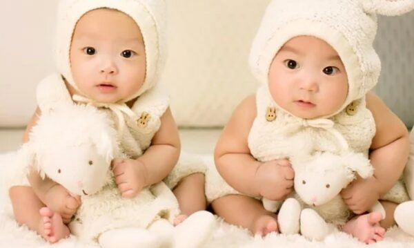 宝宝出生前记忆:我一直守护着她