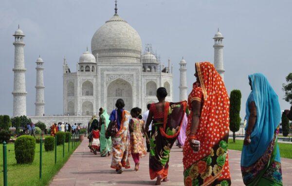 印度女回访前世乡亲 就像遇到阔别挚友