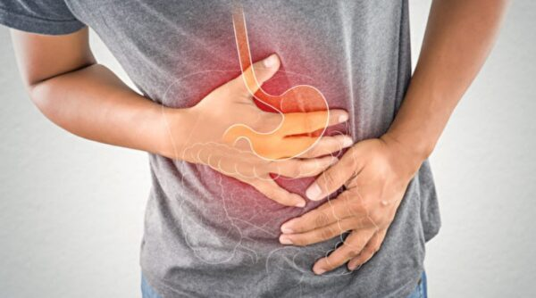 胃也會抽筋?胃痙攣讓你劇痛 2方法緊急緩解