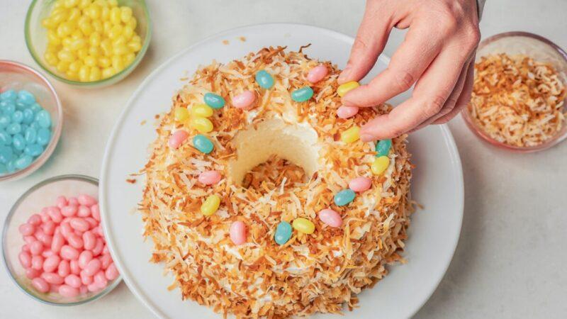 喜庆的复活节蛋糕 纯粹的怀旧和乐趣