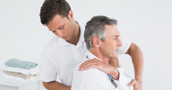 研究發現:整脊治療可更好緩解背痛