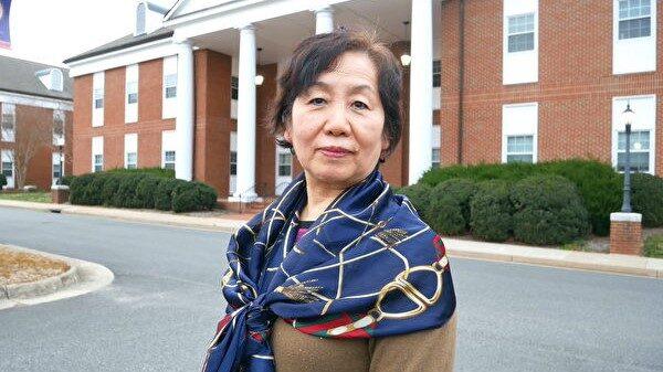 一位中國流亡女商人向美政府作證的那一刻