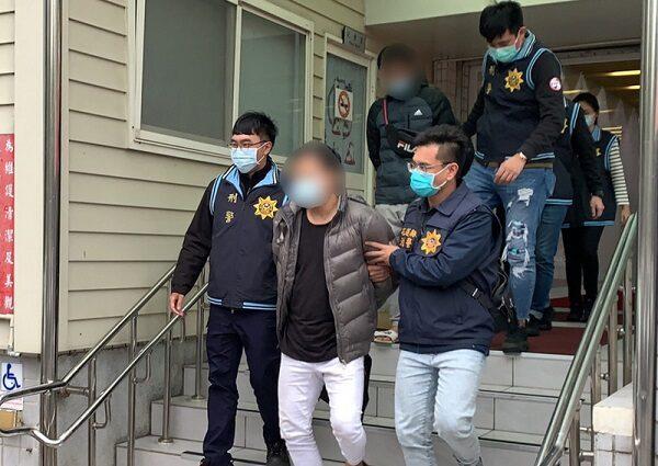 警察叔叔要抓坏人 台警幼儿园埋伏逮私造枪械歹徒