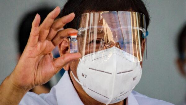 首批科兴疫苗抵菲 但医生希望菲总统接种另一种