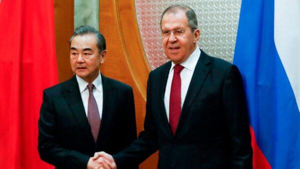金融专家:中俄加快与美元脱钩 妄图规避西方制裁