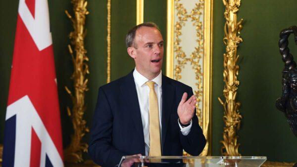 緊跟歐盟 英國30年來首次制裁中共官員