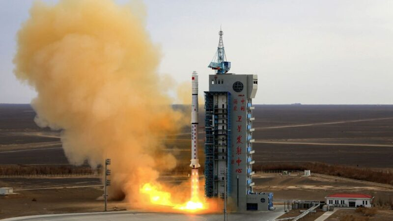 中共卫星在太空诡异爆炸 美军确认:碎成21块碎片
