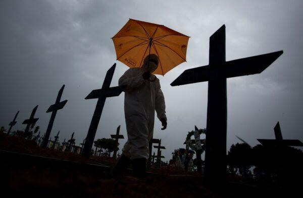 巴西疫情惡化 專家稱兩週後或將出現戰爭場景
