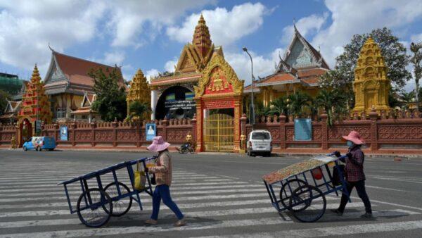 中国人贿赂警卫逃脱隔离 引发柬埔寨最大社区感染