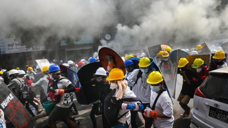 血腥镇压浇不熄缅甸人 街头更多群众聚集示威
