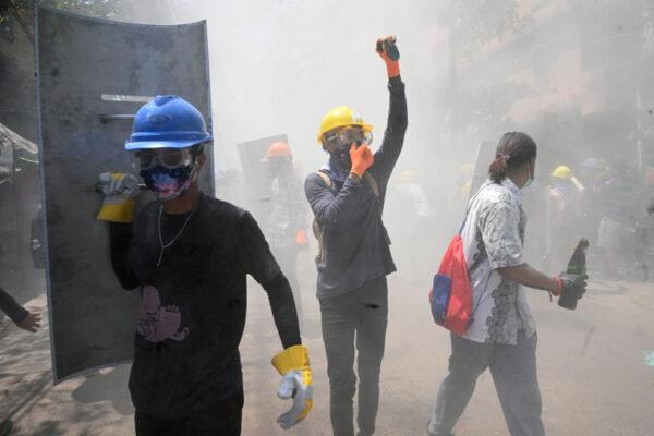 扭转军方政变局面 缅甸至少9个工会发动全面罢工